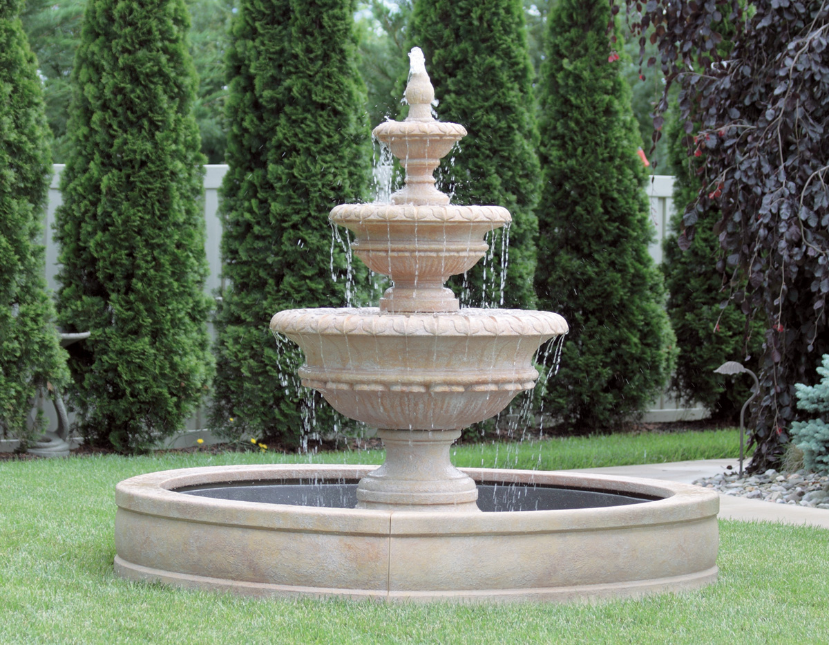72 Quot Chanticleer Fountain With Surround And 6 Fiberglass